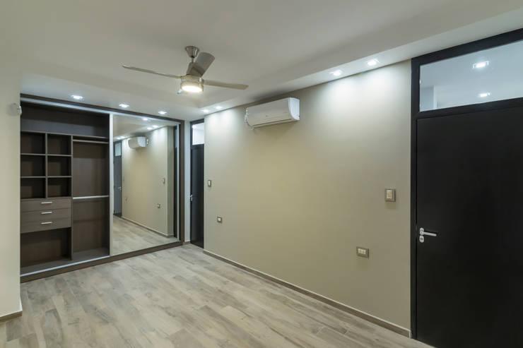 Casa 2C - REFORMA y AMPLIACIÓN : Dormitorios de estilo  por D'ODORICO OFICINA DE ARQUITECTURA