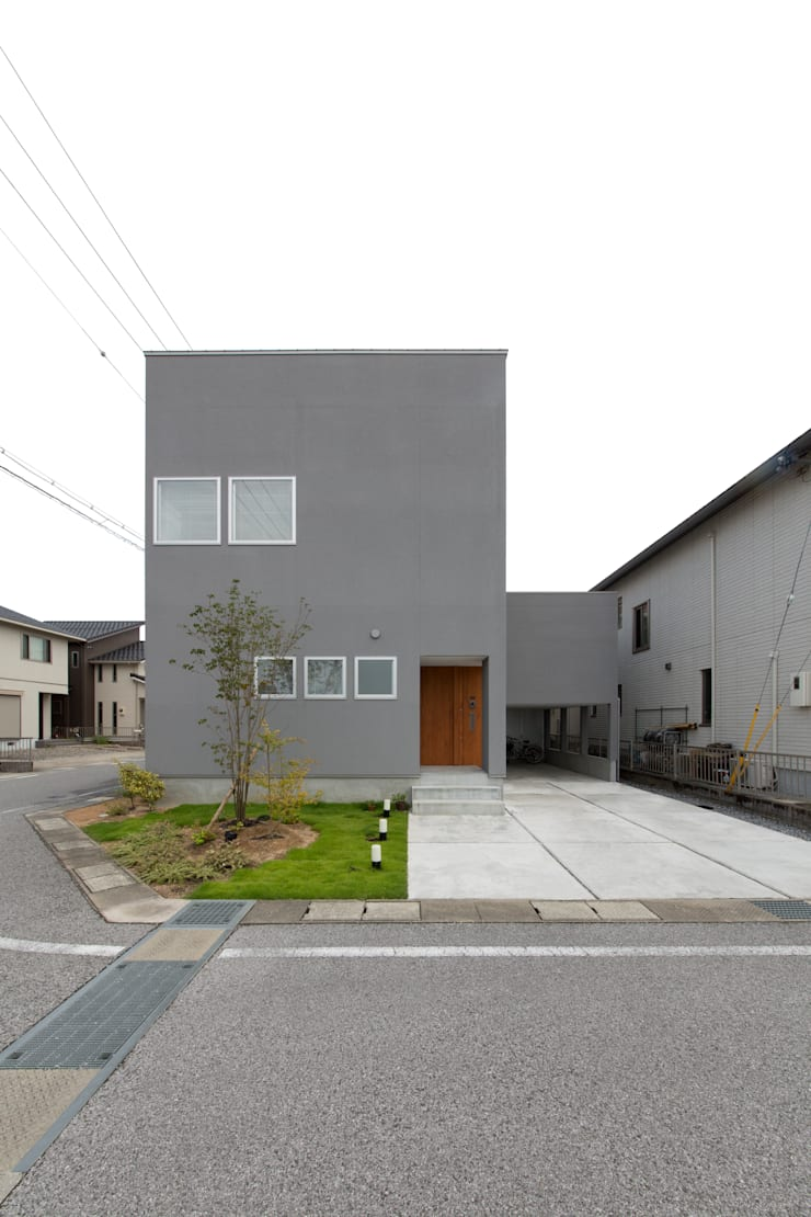 Houses by ラブデザインホームズ/LOVE DESIGN HOMES, Eclectic
