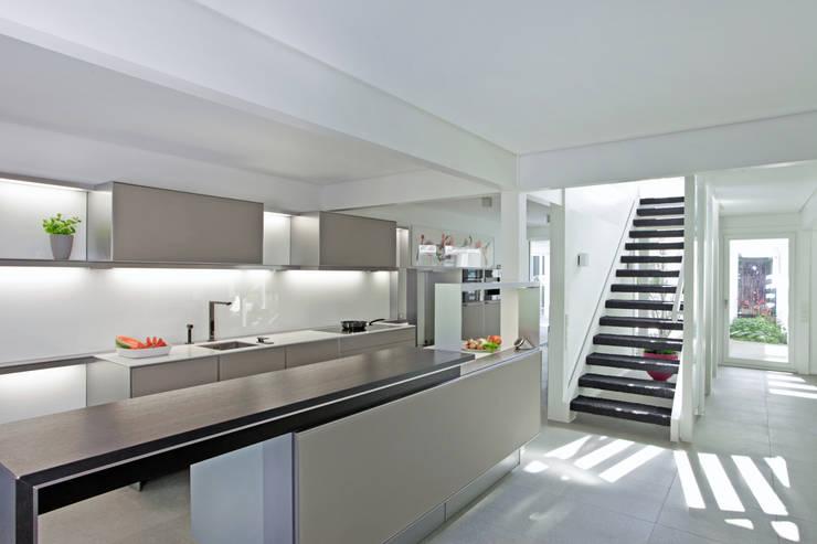 Projekty,  Kuchnia zaprojektowane przez DAVINCI HAUS GmbH & Co. KG