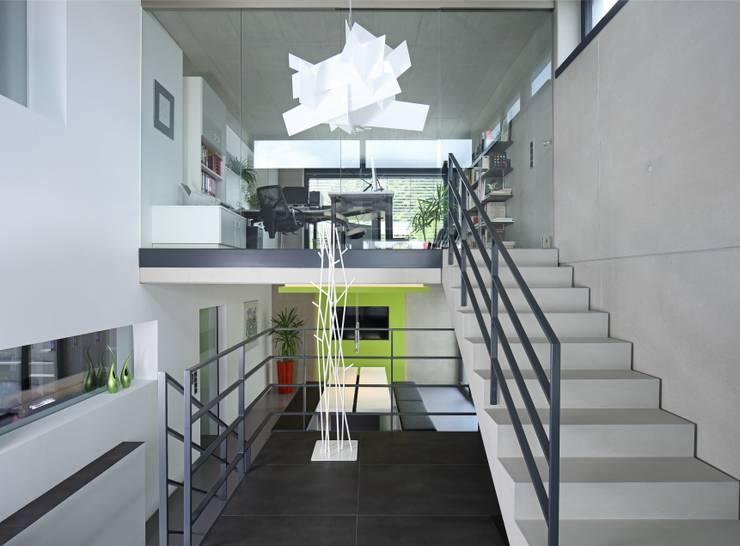 Gedung perkantoran by Architekturbüro zwo P