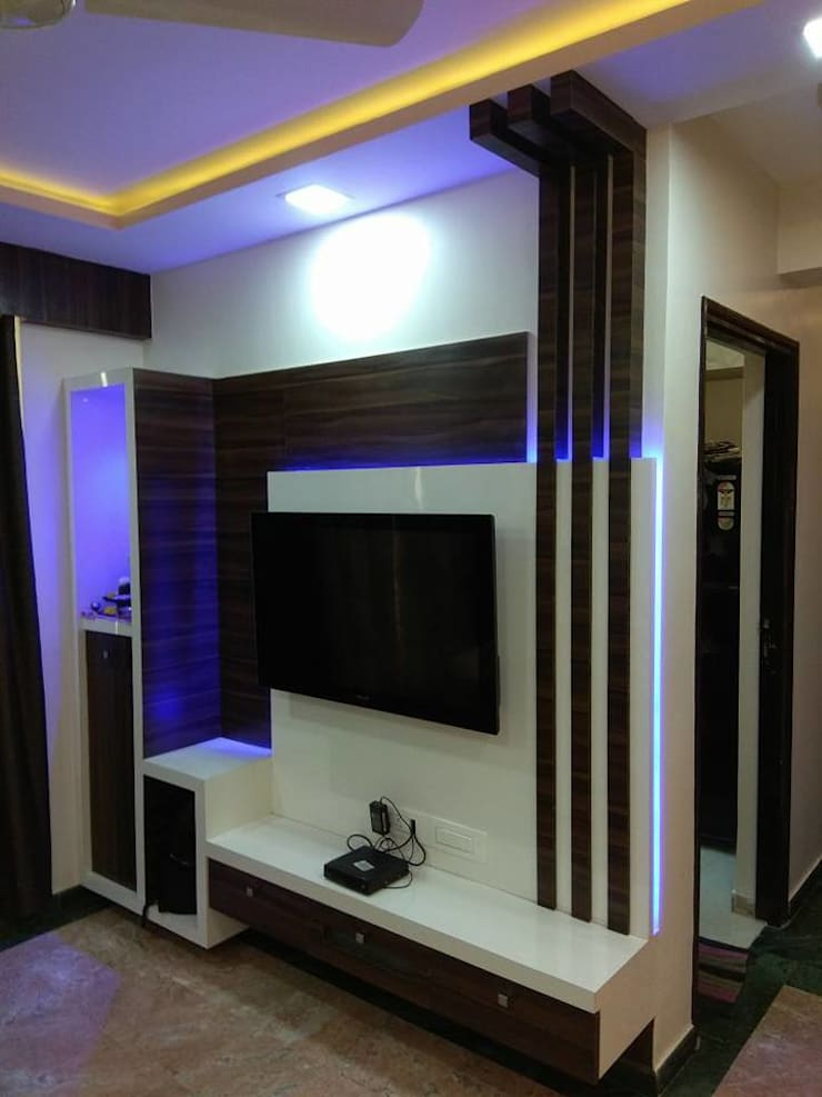 tv unit in Living room:  Living room by KUMAR INTERIOR THANE