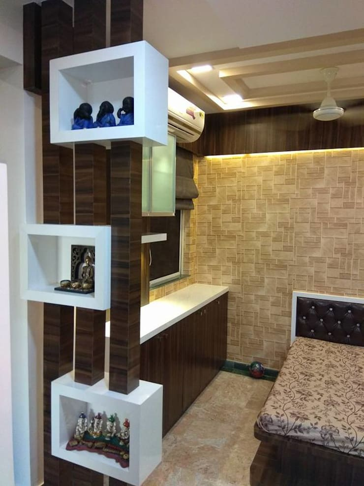 side bar cum cabinate at living room:  Living room by KUMAR INTERIOR THANE