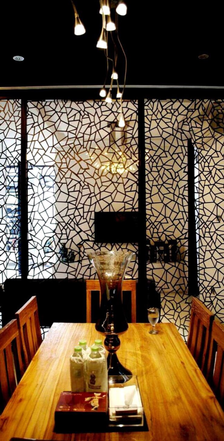 All Our Interior Works:  Dining room by Bro4u Pvt Ltd,Classic