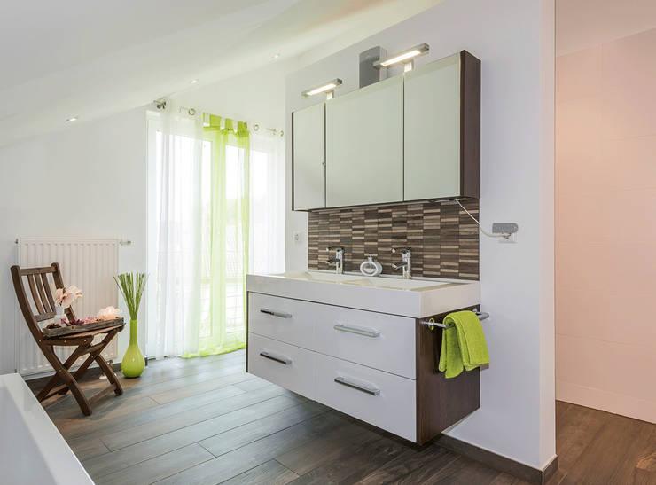 浴室 by KitzlingerHaus GmbH & Co. KG