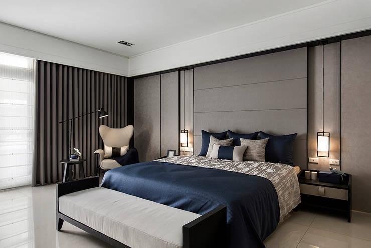 《暢意之居》:  臥室 by 辰林設計