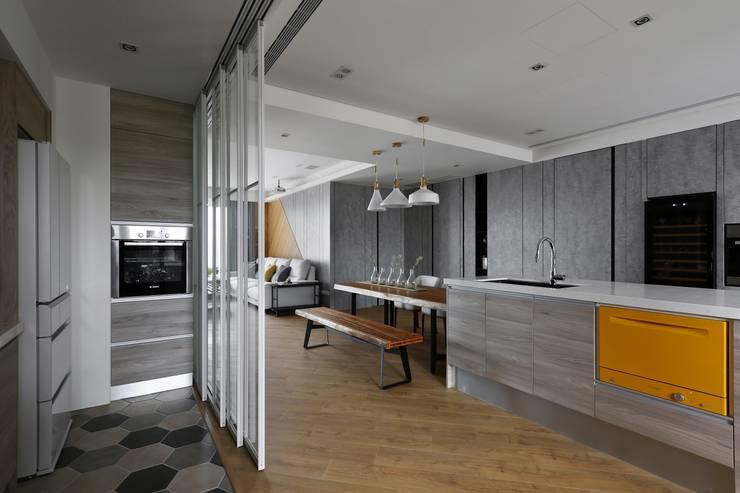 Ruang Makan by 辰林設計