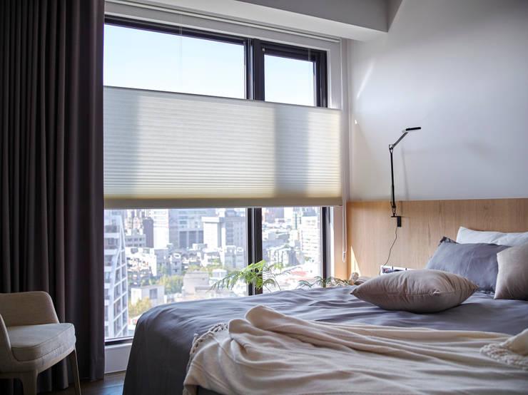 主臥室:  臥室 by 樸十設計有限公司 SIMPURE Design