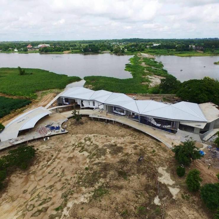 Dronview บ้านริมน้ำ กำแพงเพชร โดย ศูนย์รับสร้างบ้านอินเตอร์โฮม:  บ้านประหยัดพลังงาน by อินเตอร์โฮมพรอพเพอร์ตี้
