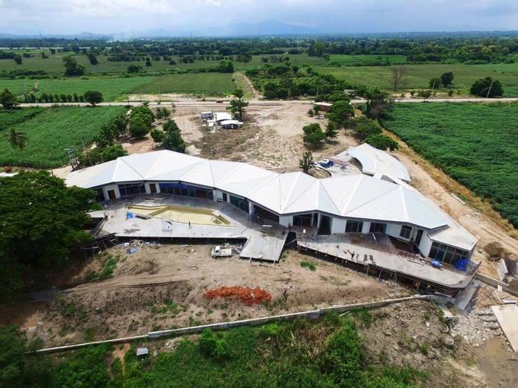 Dronview บ้านริมน้ำ กำแพงเพชร โดย ศูนย์รับสร้างบ้านอินเตอร์โฮม:  บ้านเดี่ยว by อินเตอร์โฮมพรอพเพอร์ตี้