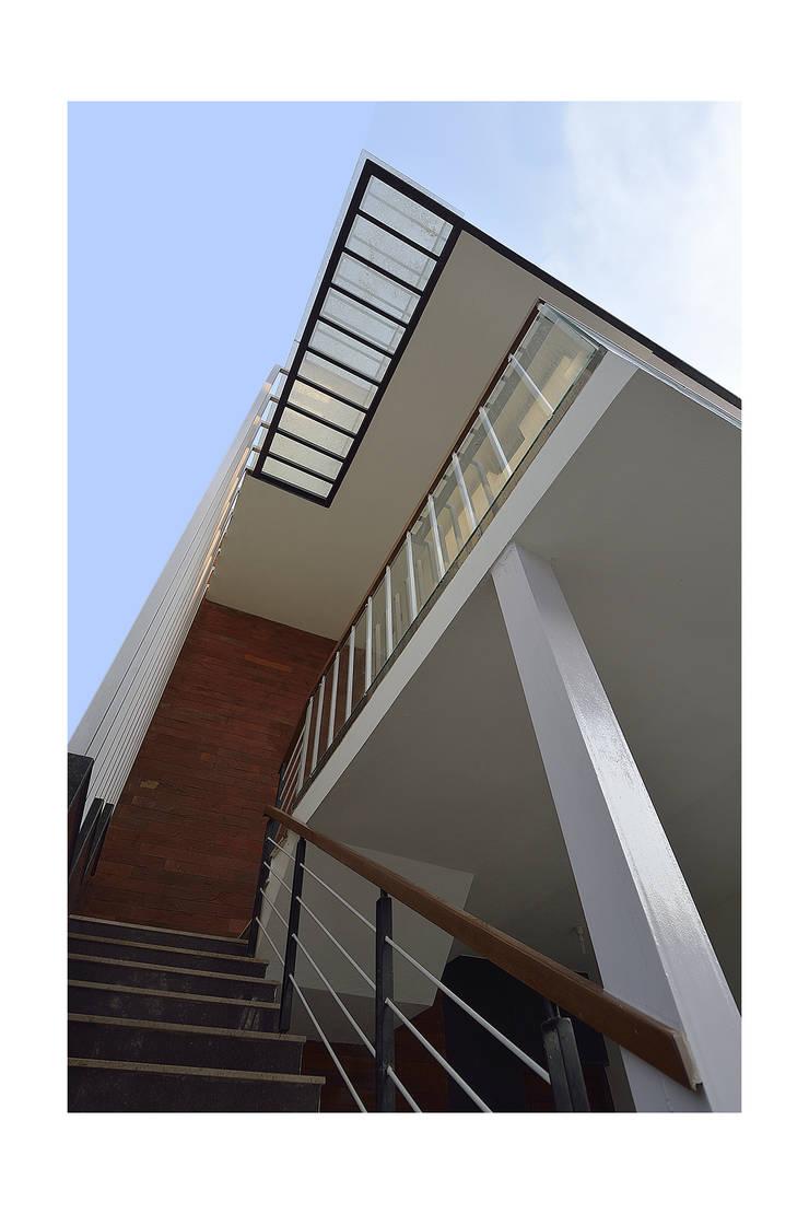 modern Houses by Ineidos