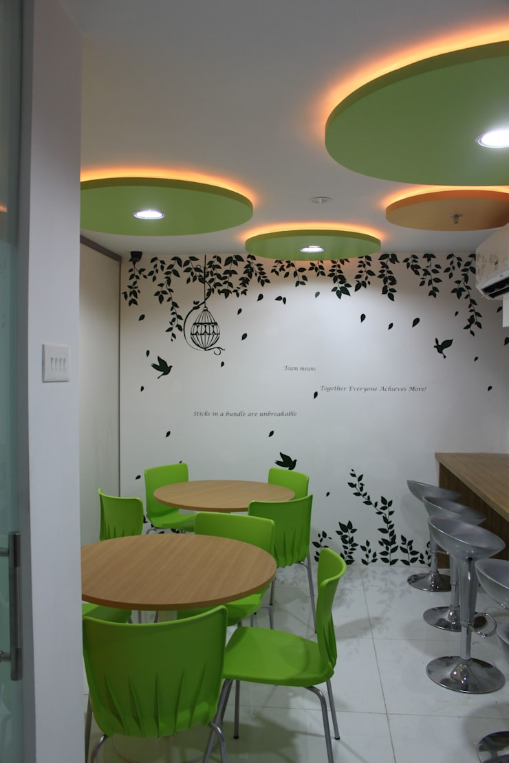 Commercial Interior Projects:  Commercial Spaces by deZinebox