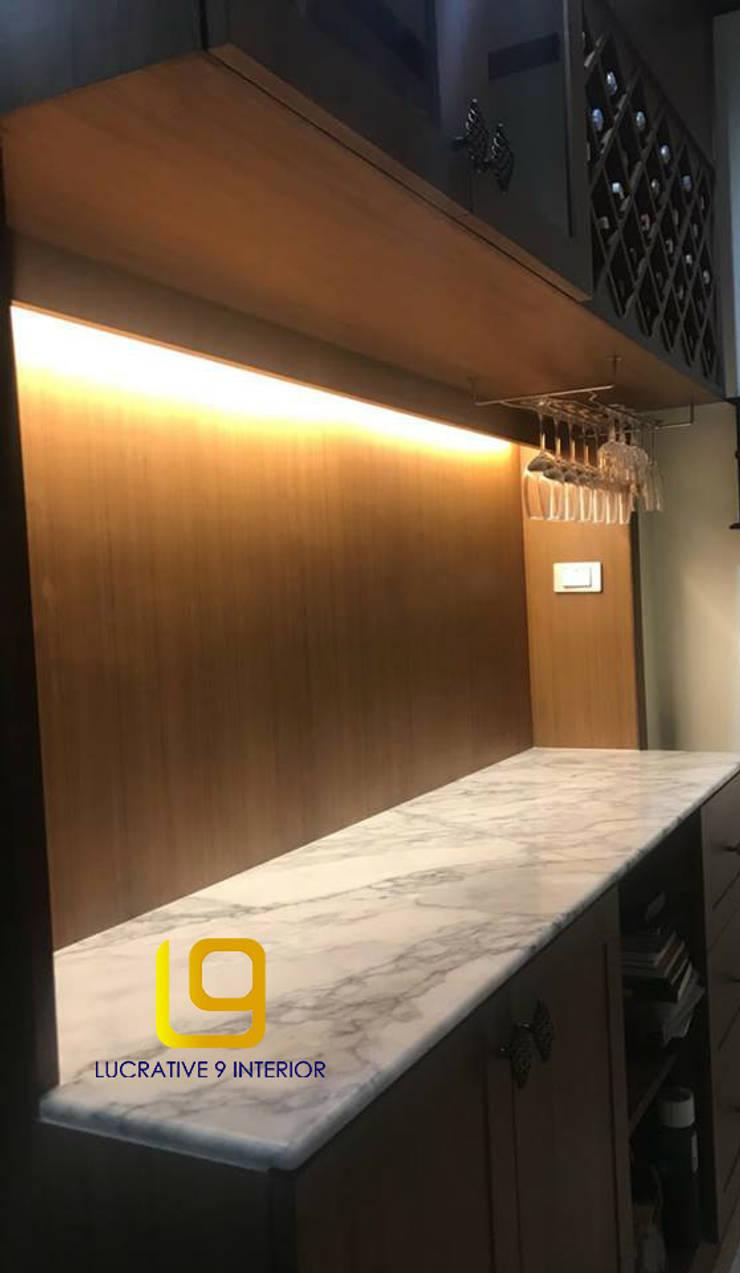 ออกแบบเฟอร์นิเจอร์บิ้วอินสไตล์ไทย:  ตกแต่งภายใน by Lucrative 9 Interior Design and Construction co.,ltd.
