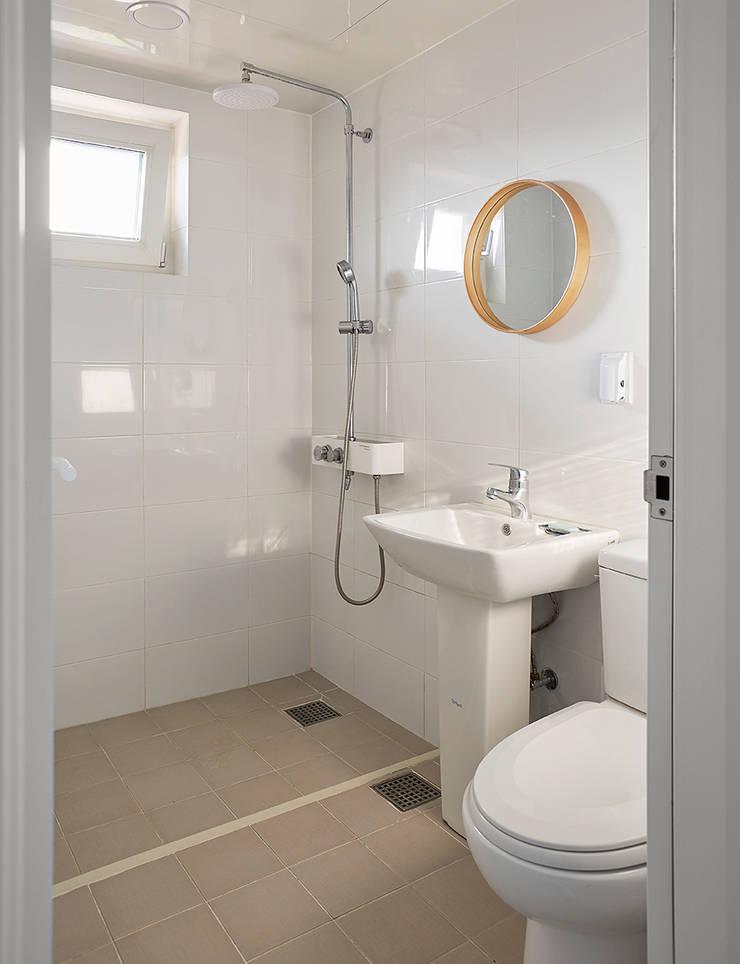 중정삼대: TODOT 의  욕실