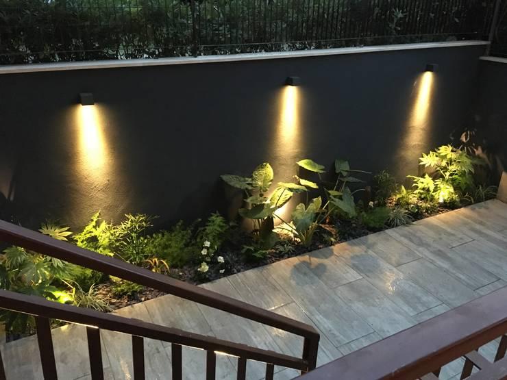 Jardines de estilo  por Au dehors Studio. Architettura del Paesaggio