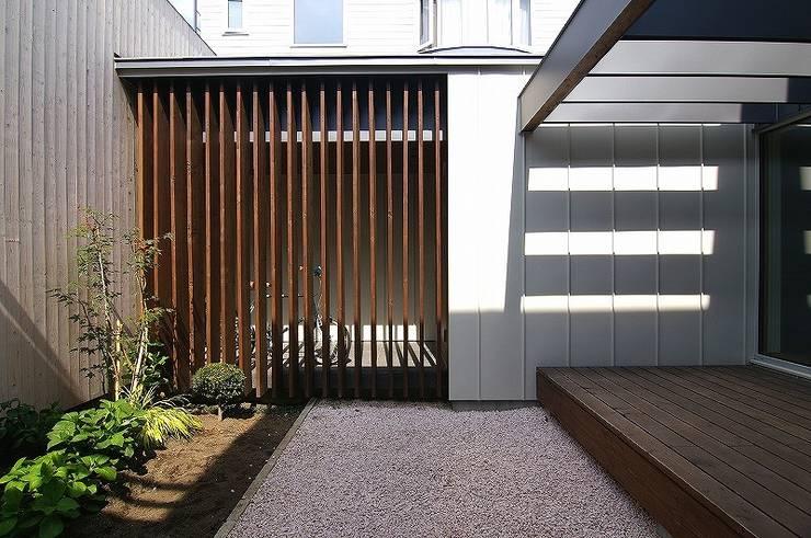 インエイ: 株式会社 ATELIER O2が手掛けた庭です。