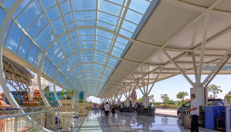 Bali Ngurah Rai International Airport:  Lapangan terbang by Wisma Sehati