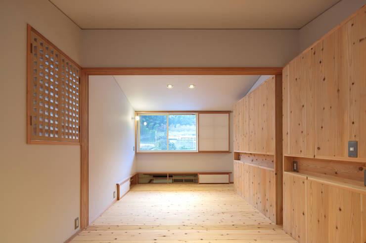 Phòng trẻ em by 山道勉建築
