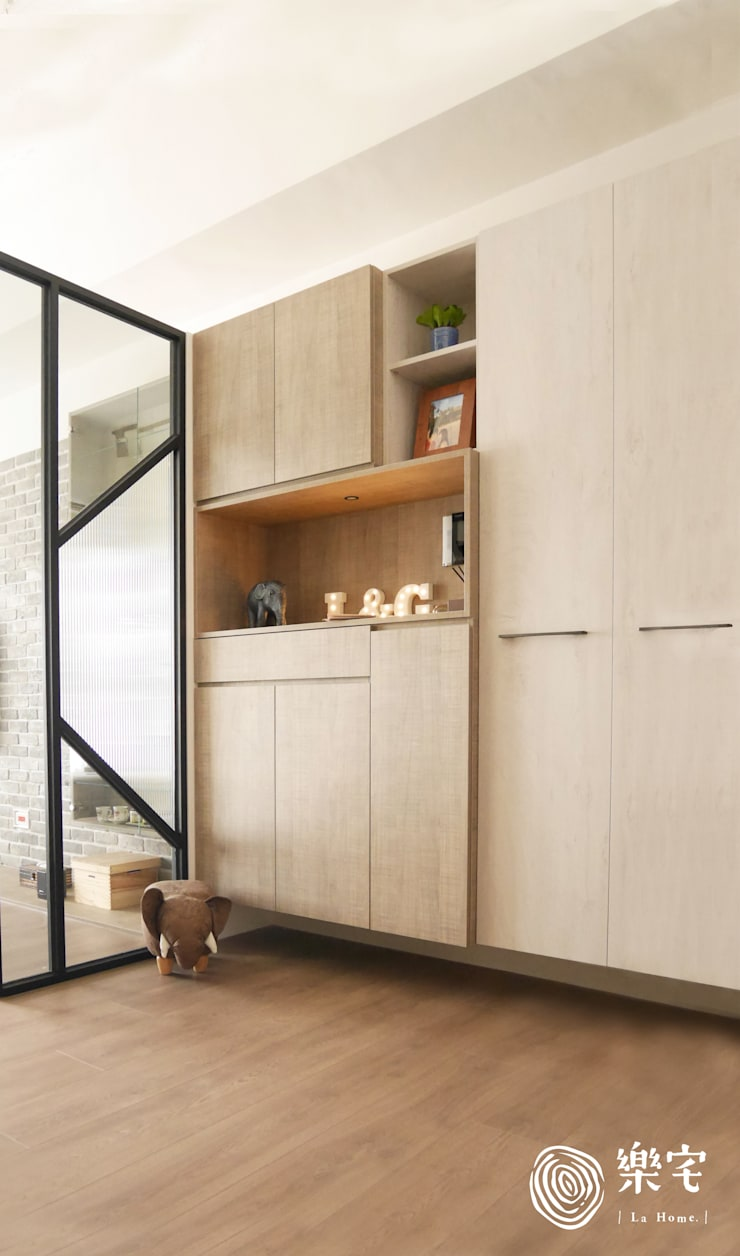 .:  客廳 by 樂宅設計 系統傢俱