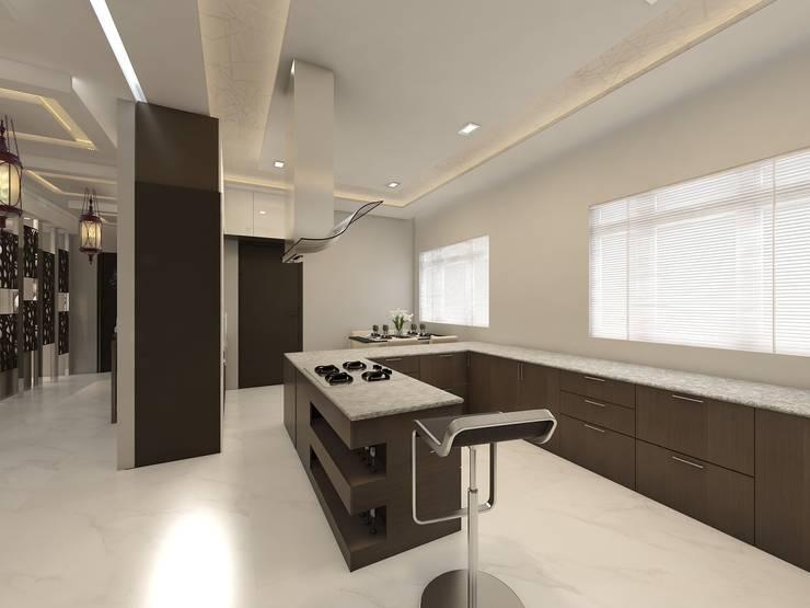 Kitchen:  Kitchen units by Regalias India Interiors & Infrastructure