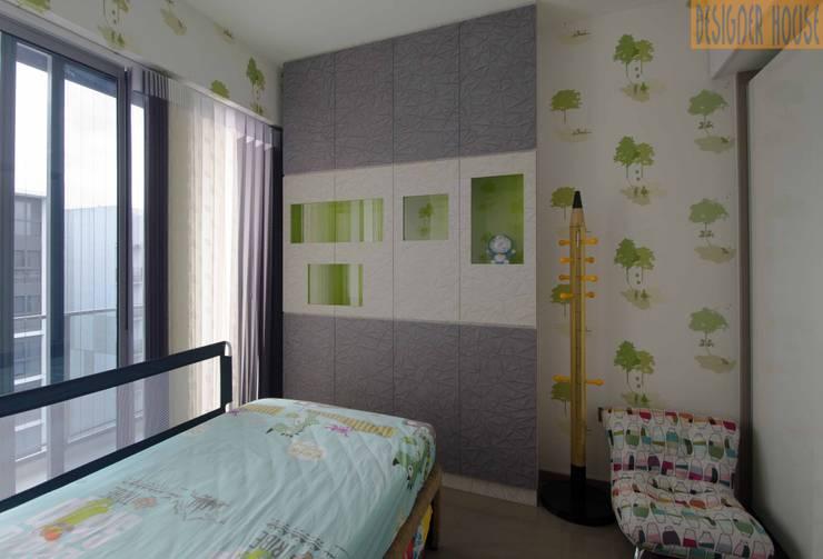 臥室 by Designer House, 現代風 塑木複合材料