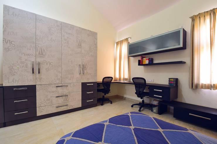 kids bed: modern Bedroom by Team Kraft