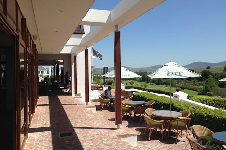 de zalze golf clubhouse upgrade:  Event venues by drew architects + interiors, Country