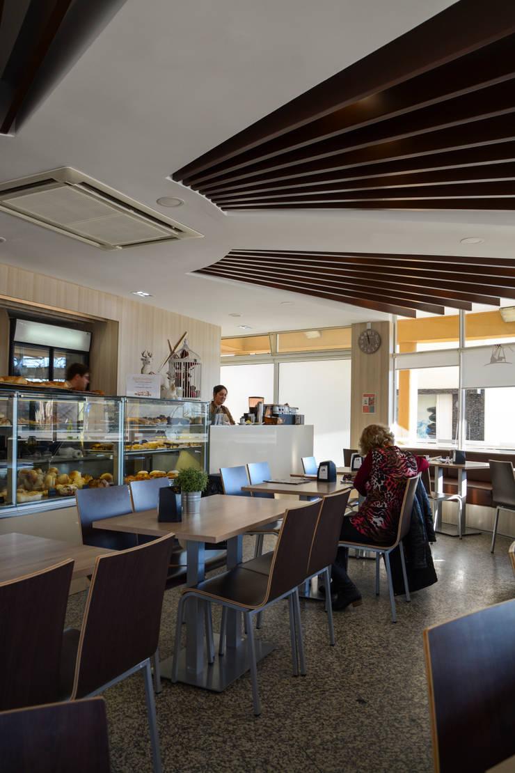 Pastelaria Vermoinho - Maia: Bares e clubes  por ERN Construções Lda