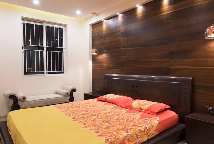 DLF Westend Heights - A1124: modern Bedroom by Pebblewood.in