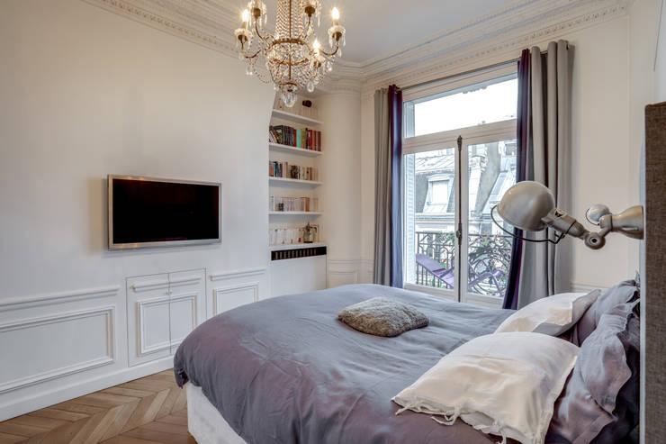 PARIS 2: Chambre de style  par BMA