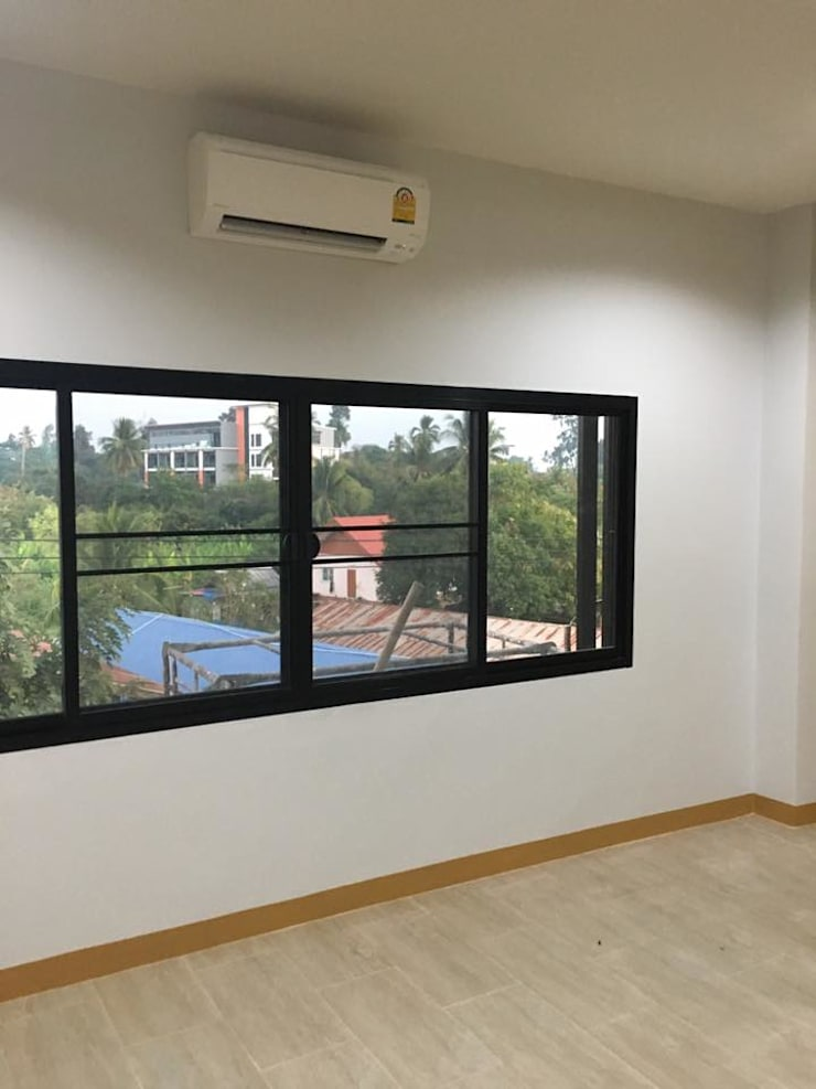 touchup painting &cleaning:   by รับสร้างบ้านอุดร House Building