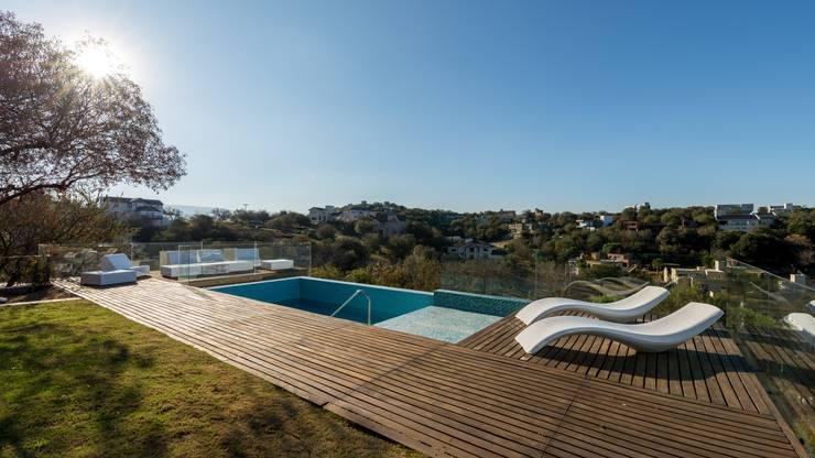 Piscinas de estilo  de SCHLATTER arquitectura y diseño, Moderno