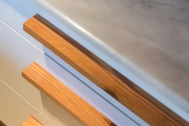 PARA ENVIAR (VIVIENDA MS): Edificios de Oficinas de estilo  por SCHLATTER arquitectura y diseño,