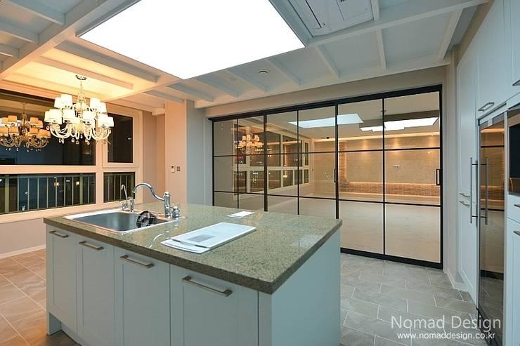 66평 강서구 엘크루블루오션 – 부산: 노마드디자인 / Nomad design의  다이닝 룸