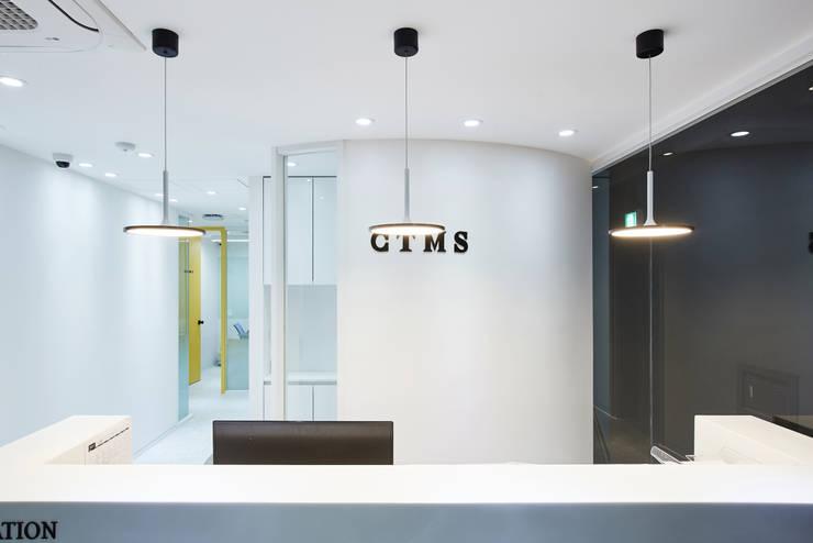분당 수내동 CTMS 학원: 한디자인 / HAN DESIGN의  서재 & 사무실,