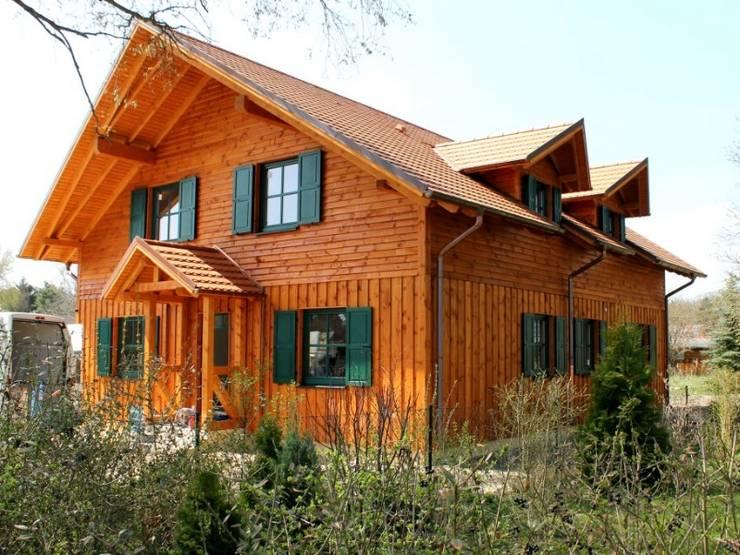 Projekty, rustykalne Domy zaprojektowane przez SCHOß INGENIEUR GmbH