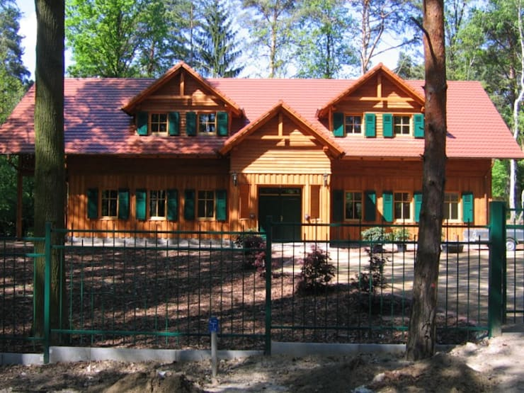Projekty, wiejskie Domy zaprojektowane przez SCHOß INGENIEUR GmbH