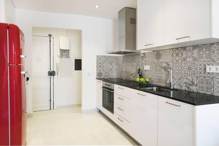مطبخ تنفيذ Gramil Interiorismo II - Decoradores y diseñadores de interiores