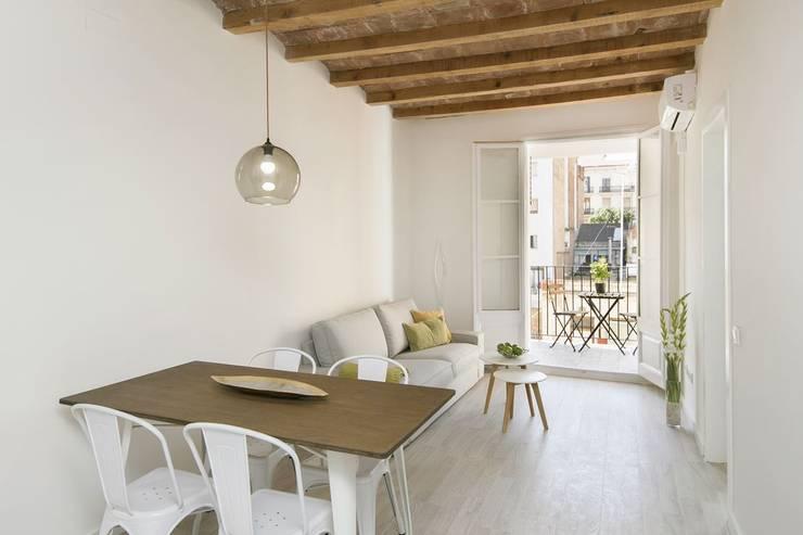 غرفة السفرة تنفيذ Gramil Interiorismo II - Decoradores y diseñadores de interiores