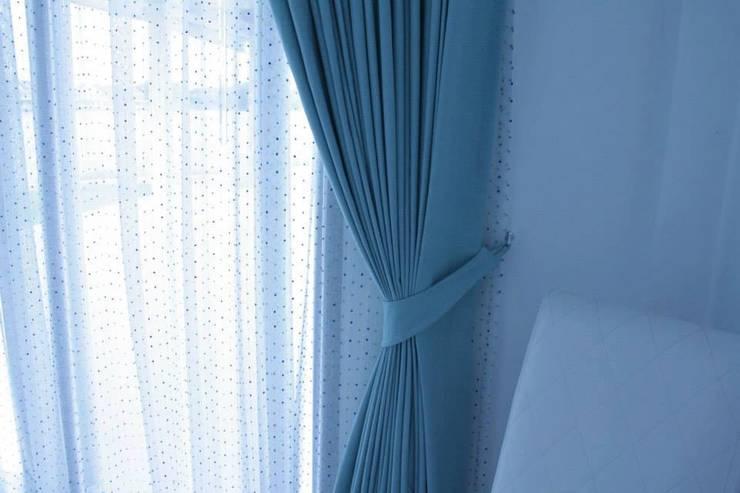 ผ้าม่าน:   by Jibsaa Decor & Design Co.,Ltd 'Phuket Curtain'