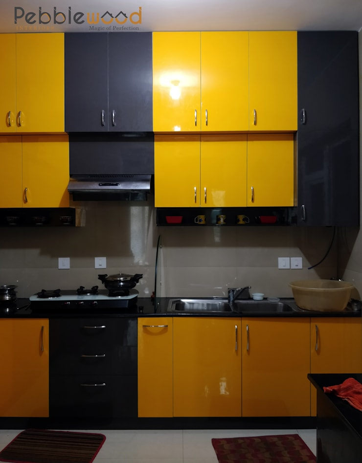 Purva Seasons 270—Bangalore: modern Kitchen by Pebblewood.in
