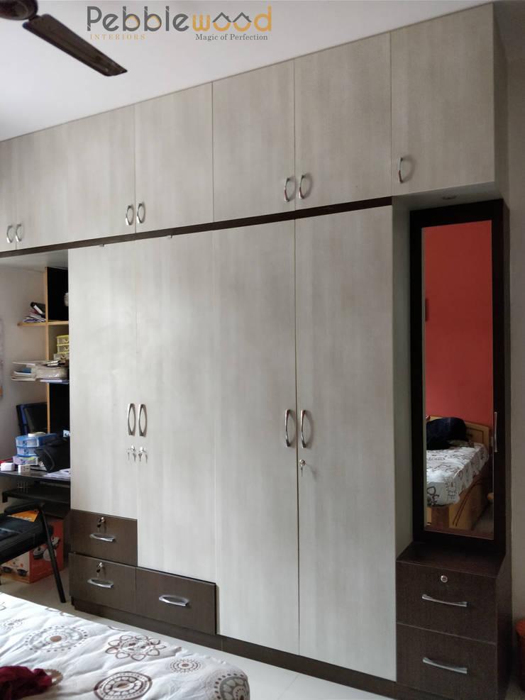 Purva Seasons 270—Bangalore: modern Bedroom by Pebblewood.in