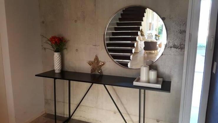 Salas/Recibidores de estilo minimalista por Barragan Carpinteria