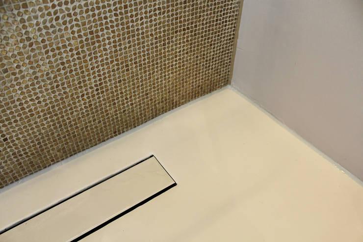 Naadloze Vloer Badkamer :  Badkamer door Motion Gietvloeren
