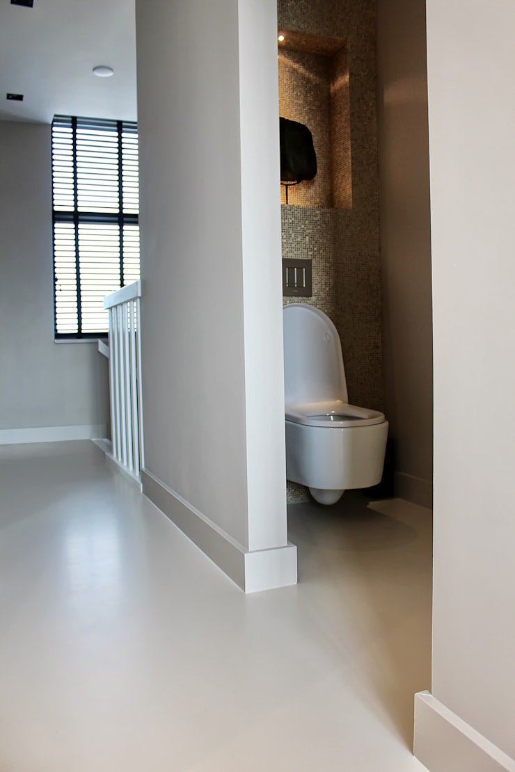 Naadloze Betonlook Gietvloer :  Badkamer door Motion Gietvloeren