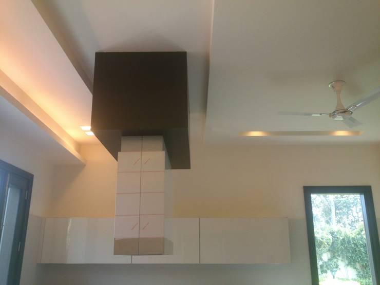 Modular Kitchen: modern Kitchen by ANBN DESIGNS