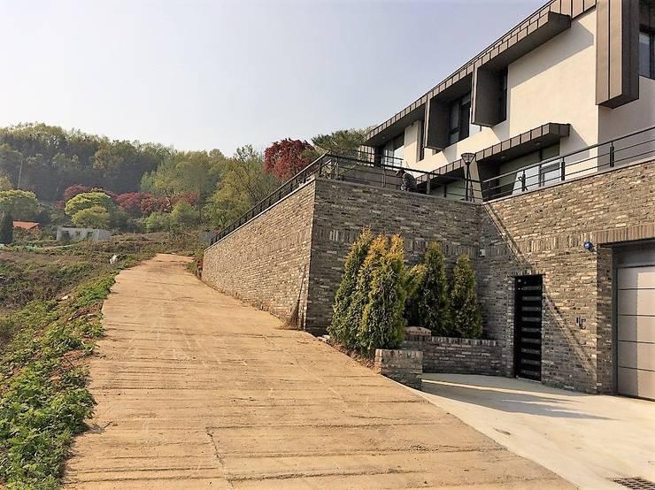 봉곡리주택: 건축사 사무소 YEHA의  주택,모던