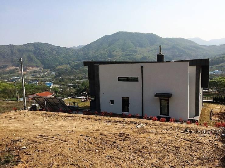 봉곡리주택: 건축사 사무소 YEHA의  주택