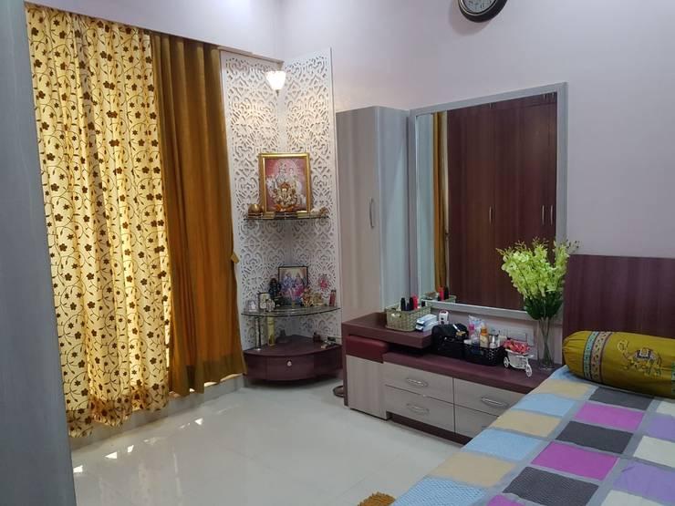 Navi Mumbai flat: modern Bedroom by Creative Focus