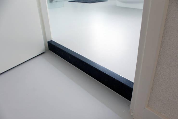 PU-Gietvloer als Basis voor een Tijdloos Interieur :  Gang en hal door Motion Gietvloeren