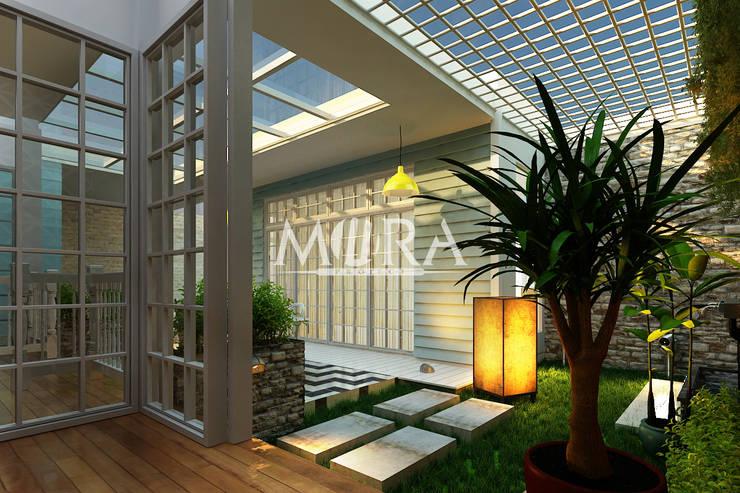 Renovasi Rumah Pribadi Surabaya:  Pondok taman by Mora Project Medan Arsitek & Interior